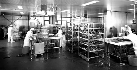 food_processing_bw